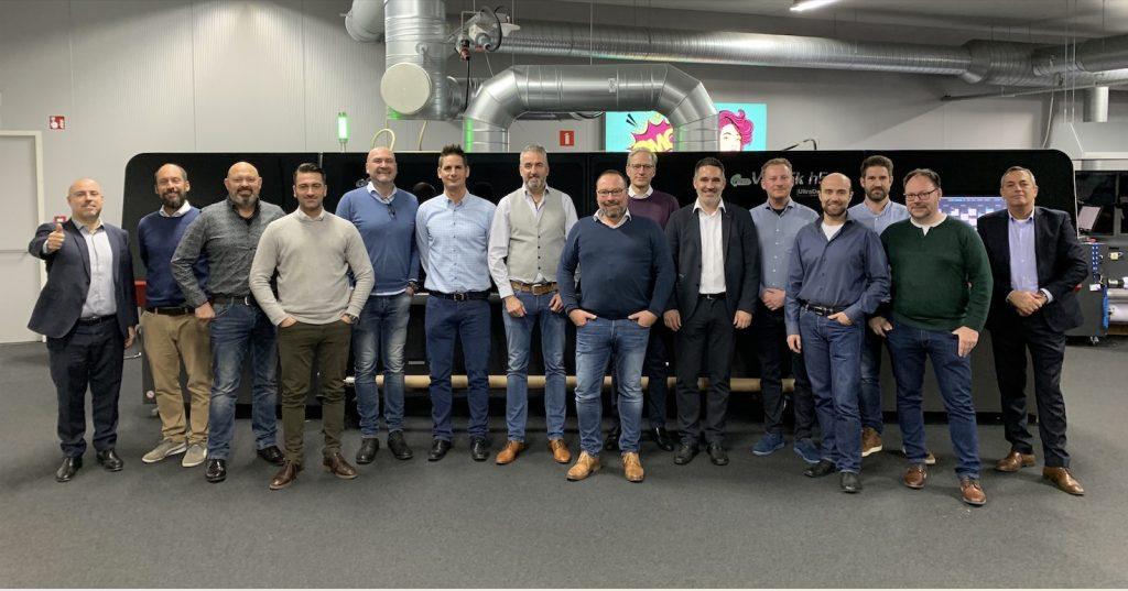 ComPlott vertreibt neue EFI Vutek Drucker